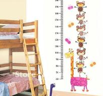 Väggdekor -Mätsticka med motiv av bl.a. Björnar och Giraff, 180 x 88 cm
