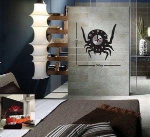 Klocka med vinyldekor -Spindel